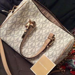MICHAEL KORS crossbody/shoulder Bag ✨
